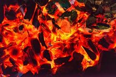 Feuer am Grill Lizenzfreie Stockfotografie