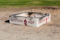 Feuer-Grube auf Strand Lizenzfreie Stockbilder