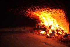 Feuer hölzerner Burning im Ofen lizenzfreie stockfotografie