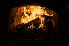 Feuer im Brennofen stockfotografie