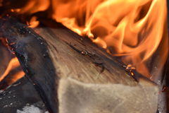 Feuer im Feuerplatz Lizenzfreies Stockbild