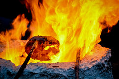 Feuer im Ofen stockbild