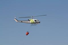 Feuer-kämpfender Hubschrauber Stockbild