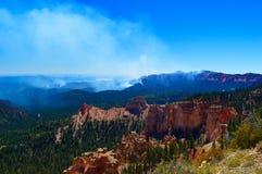 Feuer am Nationalpark Bryce-Schlucht lizenzfreie stockfotografie