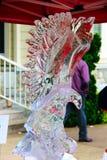 Feuer-und Eis-Festival Eagle Sculpture in Qualicum-Strand, BC Stockfotografie