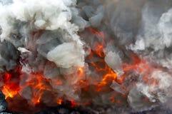 Feuer und Rauch lizenzfreies stockbild