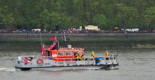 Feuerboot Diamant-Jubiläum-Festzug Stockfotografie
