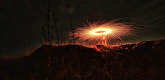 Feuercracker, der neuen Sachenschu? am Telefon ohne einen Stativ versucht lizenzfreie stockbilder
