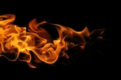 Feuerflammen auf schwarzem Hintergrund Lizenzfreies Stockbild