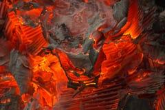 Feuerglut mit der Asche Lizenzfreie Stockbilder