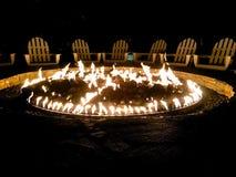 Feuergrube Adirondack-Stühle Lizenzfreie Stockfotos