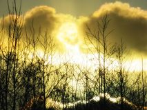 Feuerkugel im Himmel stockfotos