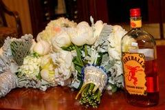 Feuerkugel-Zimt-Whisky lizenzfreies stockfoto