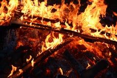 Feuerlinie auf schwarzem Hintergrund Stockbilder