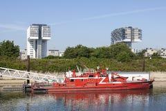 Feuerrettungsboot in Köln, Deutschland Stockfotos