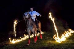 Feuershow mit Pferden Lizenzfreies Stockfoto