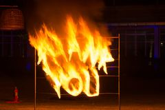 Feuertanzshow stockfotografie