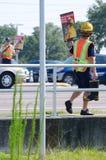 Feuerwehrmänner erbieten die Mittelbeschaffung freiwillig Stockfoto