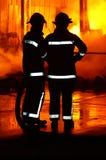Feuerwehrmänner am Vorfall Stockfotos
