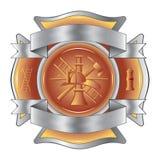 Feuerwehrmann ätzte Kreuz mit Hilfsmitteln Lizenzfreies Stockfoto