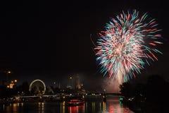 Feuerwerk über Frankfurt am Main Stockfotografie