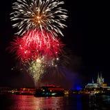 Feuerwerk über Köln Stockfotos