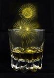 Feuerwerk auf Alkoholglas Lizenzfreie Stockbilder