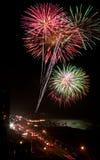 Feuerwerk auf dem Pier-Dorf Lizenzfreies Stockbild