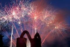 Feuerwerk mit Stahlwerk Stockbilder