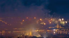 Feuerwerk nahe Peter und Pavel Fortress Saint Petersburg Russia stock footage