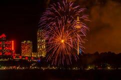Feuerwerk @ Niagara lizenzfreies stockbild