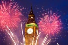 Feuerwerk um Big Ben Lizenzfreie Stockfotos
