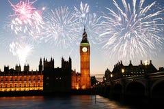 Feuerwerke über Big Ben Lizenzfreie Stockbilder