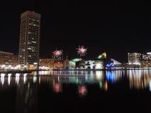Feuerwerke über im Stadtzentrum gelegenem Baltimore Lizenzfreies Stockbild