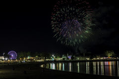 Feuerwerke über Long- Islandton Stockfotos