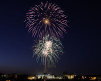 Feuerwerke über Roanoke Lizenzfreie Stockbilder