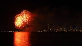 Feuerwerke über Schwan-Fluss, Perth Lizenzfreie Stockfotos