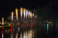 Feuerwerke über Weichsel in Krakau Lizenzfreies Stockbild