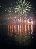 Feuerwerke auf Daugava, Riga, Lettland Stockbild