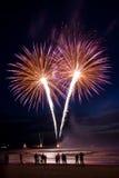 Feuerwerke auf dem Strand Stockfotografie