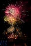 Feuerwerke auf dem Viertel Stockbild