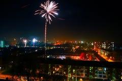Feuerwerke auf Nacht des neuen Jahres Stockfotografie