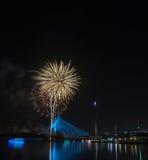 Feuerwerke bei Festival 2011 Putrajaya-Floria Lizenzfreies Stockfoto