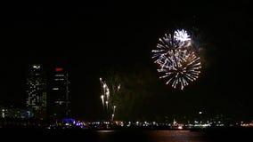 Feuerwerke ?ber dem Meer in Barcelona Langsame Bewegung stock video footage