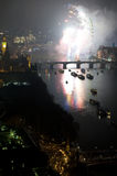 Feuerwerke über London-Auge und Westminster Stockbilder