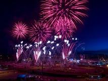 Feuerwerke am Calgary-Ansturm Stockbild