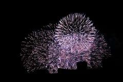 Feuerwerke in der Stadt lizenzfreie stockbilder