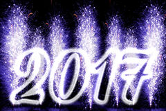 Feuerwerke des guten Rutsch ins Neue Jahr-2017 Lizenzfreie Stockbilder