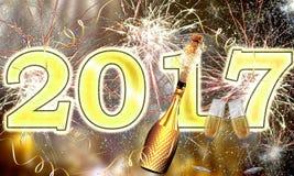 Feuerwerke des guten Rutsch ins Neue Jahr-2017 Stockfotografie