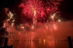 Feuerwerke Genfs die Schweiz auf dem See Stockfoto